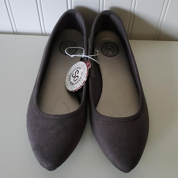 SO Shoes - NWT grey flats